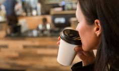 A new kind of plastic lid promises to give coffee drinkers a stronger whiff of their beverage. Coffee Beans, Coffee Cups, Take Away Coffee Cup, Coffee Drinkers, Ceramic Cups, Good Advice, Travel Mug, Coffee Shop, Startup Entrepreneur
