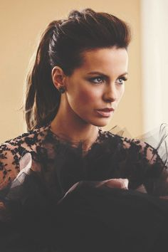 High pony tail...Kate Beckinsale