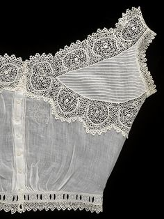 Cotton and crochet camisole, made by Queen Mary, England, ca. Cotton trimmed with crochet lace. Vintage Underwear, Vintage Lingerie, Historical Costume, Historical Clothing, Irish Crochet, Crochet Lace, Edwardian Fashion, Vintage Fashion, Gothic Fashion