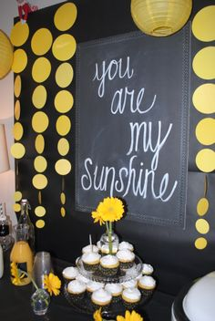 You are my Sunshine Party! Great for a toddler, baby shower or even a kitchen tea! Sunflower Birthday Parties, Yellow Birthday Parties, Sunshine Birthday Parties, Sunflower Party, Sunflower Baby Showers, Birthday Fun, First Birthday Parties, Birthday Party Themes, First Birthdays
