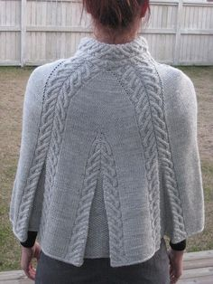 Knit Shrug, Knitted Poncho, Knitted Shawls, Crochet Shawl, Knit Crochet, Capelet, Knitting Stiches, Cable Knitting, Ärmelloser Pullover