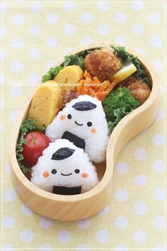 Can do this with sandwiches too. Bento Recipes, Lunch Box Recipes, Bento Ideas, Cute Food, A Food, Food And Drink, Yummy Food, Kawaii Bento, Cute Bento