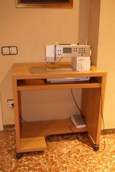 Sewing Desk, Diy Sewing Table, Sewing Machine Tables, Sewing Cabinet, Sewing Rooms, Small Space Interior Design, Interior Design Living Room, Craft Room Tables, Sewing Room Organization