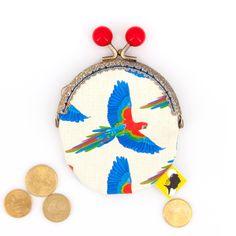Porte-monnaie original, illustré de perroquets, fait-main avec fermoir clip métal, cadeau pour femme, pour la fete des meres, 8x12 cm Clip, Cotton Canvas, Coin Purse, Bronze, Etsy, Purses, Pattern, Handmade, Gifts