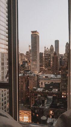 City Wallpaper, Aesthetic Pastel Wallpaper, Aesthetic Backgrounds, Aesthetic Wallpapers, Wallpaper Backgrounds, New York Iphone Wallpaper, Beige Wallpaper, Wallpaper Desktop, City Aesthetic