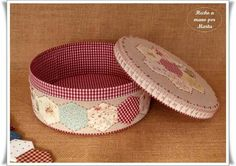 Sewing Case, Sewing Box, Sewing Hacks, Sewing Projects, Japanese Patchwork, Rustic Crafts, Paper Crafts, Diy Crafts, Decoupage