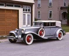 Cord Automobile, Vintage Cars, Antique Cars, Old Cars, Bugatti, Convertible, Classic Cars, Wwii, 1930s