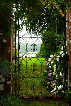 happycurator: Garden Gate Castle Kennedy, Galloway, Scotland