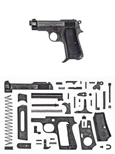 Легендарные пистолеты в собранном и разобранном виде