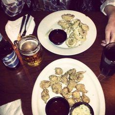 Calamari rings and buffalo wings!! Yummy! :p