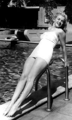 Norman Jeane aka Marilyn Monroe by the Pool Norma Jean Marilyn Monroe, Marilyn Monroe Photos, Norman, Imperfection Is Beauty, Norma Jeane, Jolie Photo, How To Pose, Poses, Up Girl