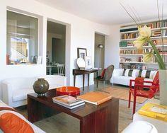 Una vivienda antigua en el centro de Madrid ha dado un giro completo gracias a una reforma planificada con el objetivo de llevar la luz a todas las estancias. Perfecta armonía de contrastes en la que...