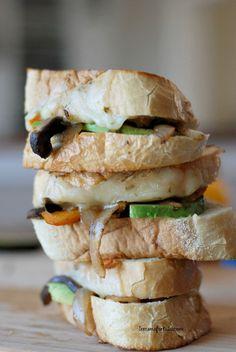 Fajita Grilled Cheese loaded with pepper jack, pepper and onions! www.lemonsforlulu.com