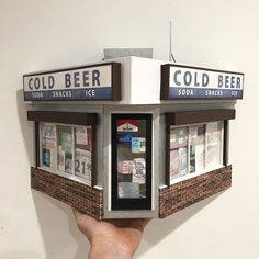 Sculptor Creates Detailed Miniatures of Philadelphia\'s Gritty Architecture