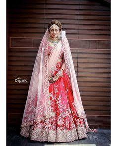 Ideas for indian bridal lehenga red ideas Wedding Lehnga, Designer Bridal Lehenga, Indian Bridal Lehenga, Indian Bridal Outfits, Indian Bridal Fashion, Indian Bridal Wear, Bridal Lehenga Choli, Pakistani Bridal Dresses, Lehnga Dress