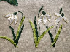 Decorative objects - A winter garden in cross stitch - Decorative objects – A winter garden in cross stitch - Tiny Cross Stitch, Cross Stitch Heart, Cross Stitch Borders, Cross Stitch Flowers, Cross Stitch Designs, Cross Stitching, Cross Stitch Patterns, Hand Embroidery Stitches, Cross Stitch Embroidery