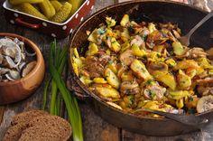 Мало кто устоит перед горячей ароматной жареной картошечкой, скворчащей на сковороде. Казалось бы, что может быть проще, чем пожарить картошку? Многие её любят, но не все могут приготовить так, чтобы корочка получилась румяной и аппетитной.
