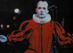 klaus nomi Proto Punk, Drawing Studies, Club Kids, Glam Rock, True Beauty, Music Bands, Drawing Reference, The Rock, Rock N Roll