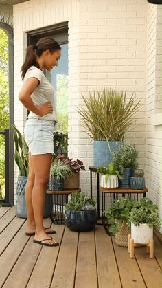 Back Patio, Backyard Patio, Patio Makeover, Front Porch Makeover, Plantas Indoor, Pot Jardin, Front Yard Landscaping, Better Homes And Gardens, Patio Design