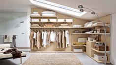 Ako využiť v podkroví každý centimeter? Attic Closet, Closet Bedroom, Walk In Closet, Interior Design Living Room, Interior Decorating, Loft Storage, Dressing Room, Interior Architecture, Sweet Home