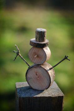 Ed RedFox Harding auf - holzarbeiten Christmas Wood, 1st Christmas, Country Christmas, Christmas Projects, Christmas Snowman, Birch Bark Crafts, Wood Crafts, Fall Crafts, Diy And Crafts