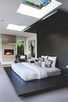 Laguna Beach Home with a very modern bedroom | Bedroom Decor Ideas | Decor Ideas | Modern Bedrooms | Luxury Design | Luxury Furniture | Boca do Lobo www.bocadolobo.com/en