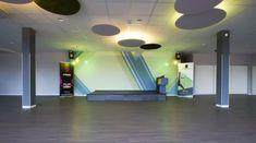 Trainingsfläche mit indirekter Lösung und Akustiksystem  - Philips Hue, Planer, Basketball Court, Portfolio, Design, Acoustic, Environment