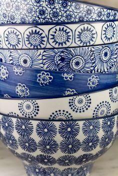 Indigo blue and white bowls Blue And White China, Love Blue, Blue China, Bleu Indigo, Azul Indigo, Color Of The Year, White Decor, Something Blue, Delft