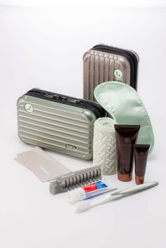 Eva Air & Rimowa (royal laurel class) amenity kit