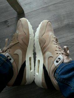 separation shoes 4d711 5991f Air max one pinnacle mushroom oatmeal and lightbone Air Max One, Oatmeal, Nike  Air