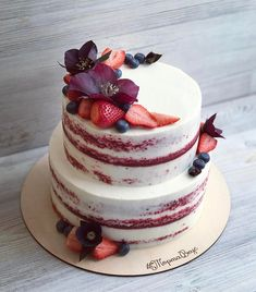 Beautiful Naked Cake With Fresh Berries Lovely red velvet cake cover Red Velvet Birthday Cake, Red Velvet Wedding Cake, Birthday Cupcakes, Rustic Birthday Cake, Red Cake, Birthday Cake Designs, Pretty Cakes, Beautiful Cakes, Amazing Cakes