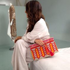 Unique Columbian Wayuu Mochila Bags For Ladies - Trend und Mode Pixel Crochet, Diy Crochet, Crochet Crafts, Crochet Baby, Tapestry Bag, Tapestry Crochet, Fabric Purses, Macrame Bag, Craft Bags