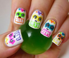 Sugar skull nail art for Halloween and Day of the Dead