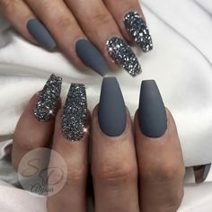 Fancy dark gray coffin nails with silver glitter coffin shaped nails design Here are some gorgeous gray nail art design ideas between black and gray nails, pink and grey nails, and gray ombre nails! Matte Nails Glitter, Grey Matte Nails, Grey Nail Art, Coffin Nails Matte, Coffin Shape Nails, Silver Nails, Best Acrylic Nails, Gel Nails, Grey Art