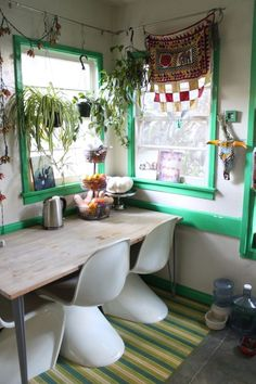 Justina Blakeney: TOUR THE JUNGALOW |  I just love this whole house . . . so colorful and fun.