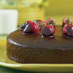 This one-layer dark chocolate cake is spiced up with cinnamon and Mexican chili powder or cayenne pepper, covered in a chocolate glaze,...