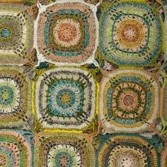*°•` ♡   *°•`*  Fuxico em Circulo Crochê. / *°•` ♡   *°•`*   Gossip in Circle Crochet.