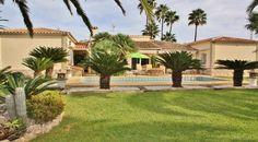 Villa in Denia/Spanien mit eigenem Teich und Traumpark an Spaniens Ostküste. Traumhafte Ferienimmobilien in Spanien finden Sie unter: http://www.ott-kapitalanlagen.de/immobilien-spanien.html