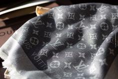 Louis Vuitton Tuch - Monogram Denim Tuch - schwarz/silber – M71378 #scarf #louisvuitton