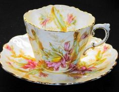 AYNSLEY-ENGLAND-ANTIQUE-blossom-MAUVE-TEXTURE-TEA-CUP-AND-SAUCER