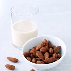 Come fare il latte di mandorle - Come fare | Donna Moderna