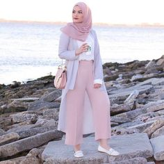 61 ideas for style hijab casual pants Modern Hijab Fashion, Street Hijab Fashion, Hijab Fashion Inspiration, Muslim Fashion, Modest Fashion, Trendy Fashion, Girl Fashion, Fashion Outfits, Style Fashion
