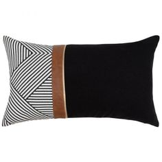 Printed Three-Tone Cotton Cushion Cover on Maisons du Monde. Take your pick from our furniture and accessories and be inspired! Leather Throw Pillows, Leather Pillow, Plain Cushions, Scatter Cushions, Printed Cushions, Cushion Cover Designs, How To Make Pillows, Soft Furnishings, Homemade Home Decor