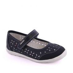 Pantofiori negri pentru fete. Realizati din piele naturala, cu aspect perforat. Marca Pablosk.