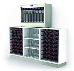 Minibar De Madera Integrando Un Frigobar Porta Botellas