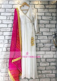 Budget Less Than Twisted Threads Has The Best Festive Lehengas Indian Fashion Dresses, Indian Gowns Dresses, Pakistani Fashion Casual, Dress Indian Style, Pakistani Dress Design, Indian Designer Outfits, Pakistani Outfits, Indian Outfits, Kurta Designs Women