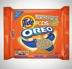America& best foods are . Weird Oreo Flavors, Pop Tart Flavors, Cookie Flavors, Lays Flavors, Funny Food Memes, Stupid Funny Memes, Food Humor, Funny Pics, Hilarious