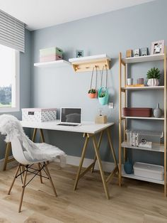 How to use easel table in home office decoration - Beatriz Rodrigues - M . - Trend Home Home Office Space, Home Office Design, Home Office Decor, Home Decor, Bedroom With Office, Kids Office, Office Ideas, Study Room Decor, Bedroom Decor