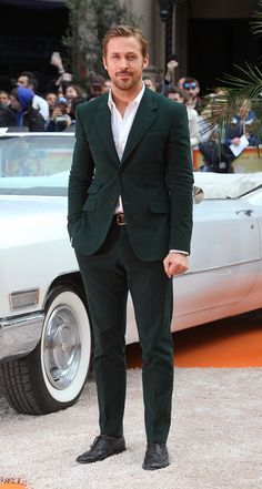 "Ryan Gosling wore a Gucci green corduroy Made to Order Heritage suit to ""The Nice Guys"" premiere in London."