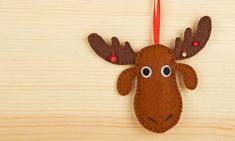 Cómo hacer un reno navideño de fieltro